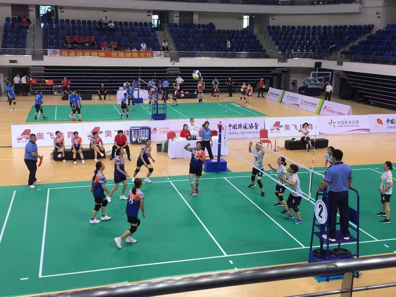 海南气排球女队两连胜,十四运会气排球城市街道、社区(女子中年组)开打